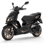 Speedfight Pure 4-takt Pearl Black moped